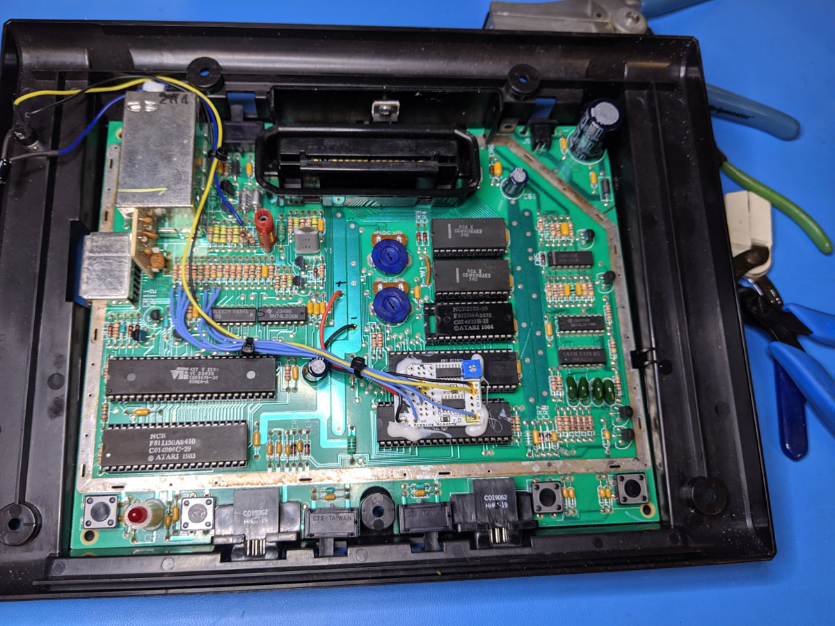 Tecboy Labs Electronics Services - Atari 7800 composite video mod